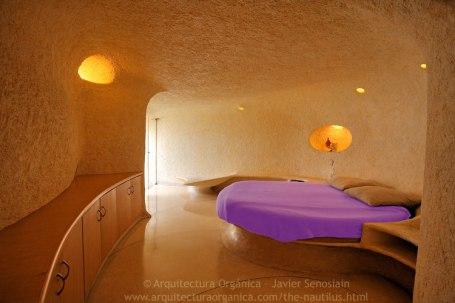 Nautilus House Mandala - Round Bed