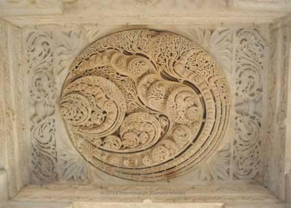 Ranakpur Jain Temple - Many Ohms