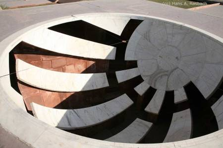 Jai Prakash Yantra - photo by Hans Rosbach