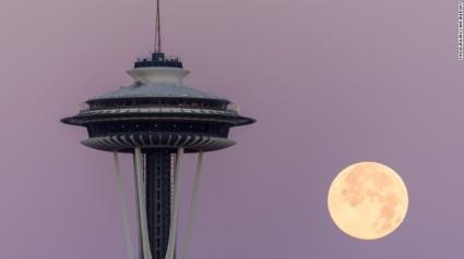 Seattle Blue Moon - photo by Tim Durkan