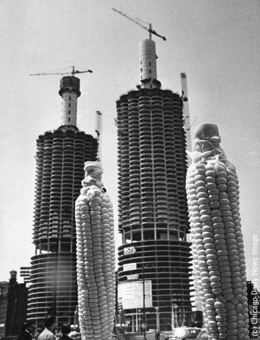 Chicago's Marina Towers under construction