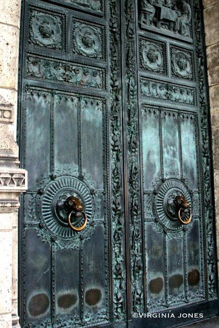 Doors of La Basilique du Sacré Coeur de Montmartre