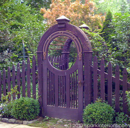 Round Purple Garden Gate - photo by Sue Lambe
