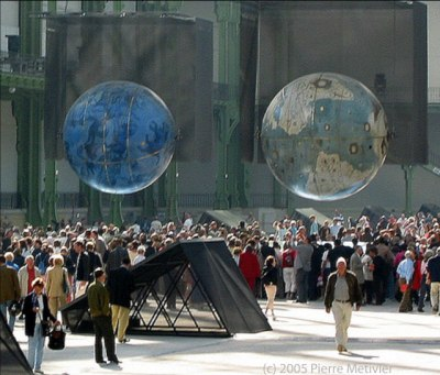 Coronelli Globes - photo by Pierre Metivier