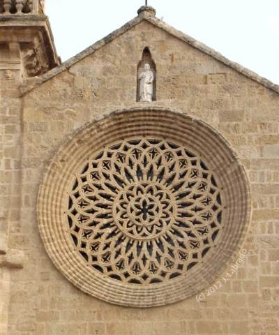 San Lorenzo Rose Window - photo by J. Labrado