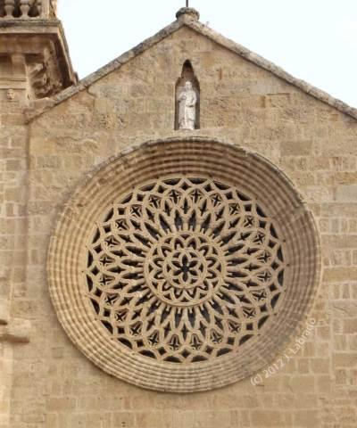 San Lorenzo Rose Window - photo by J. Labrado