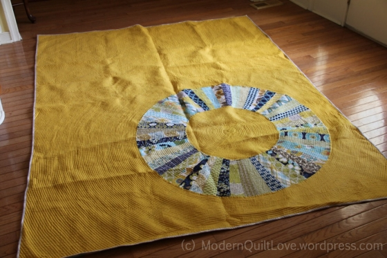Endless Circle Quilt by ModernQuiltLove.wordpress.com