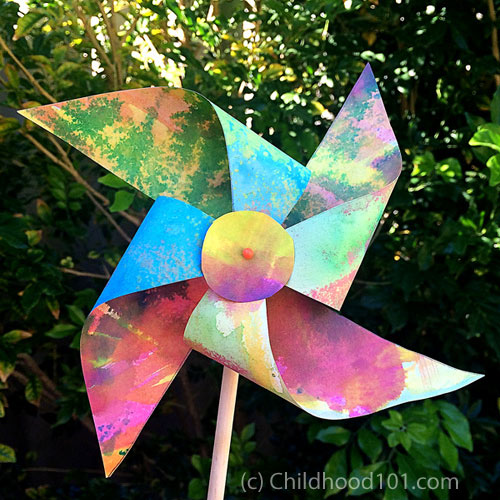 DIY Pinwheel by Childhood101.com