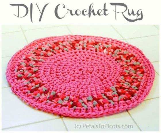 DIY Pink Yarn Rug by PetalsToPicots.com